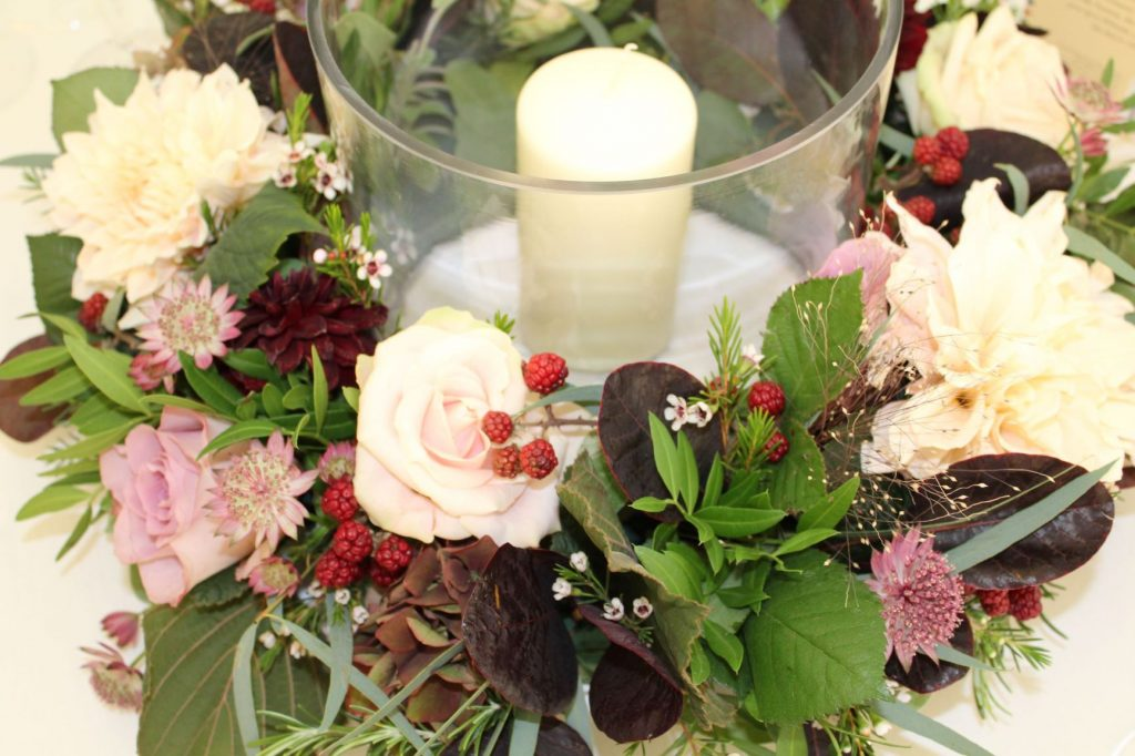 Wedding table centrepieces for wedding budgets