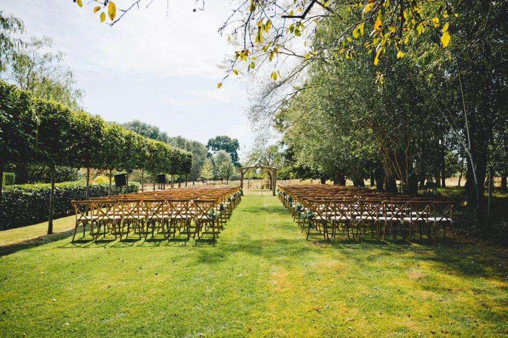 Berkshire Wedding Venue for outside wedding ceremony.